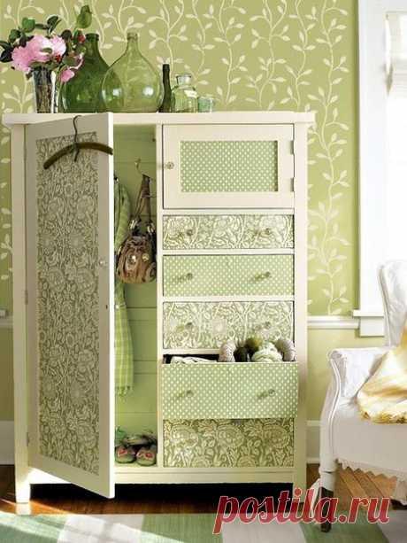 Как сделать декор мебели обоями