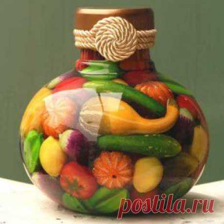 Декоративные бутылки – украшение интерьера своими руками.