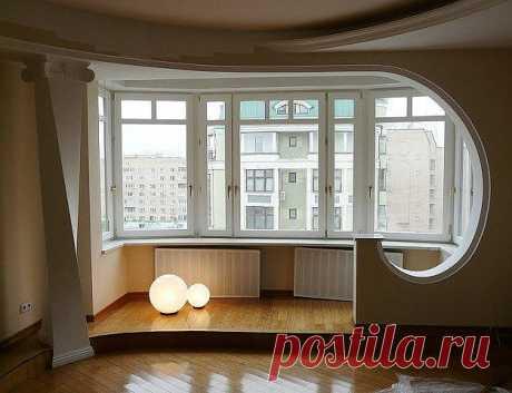 Балкон, совмещенный с гостиной.