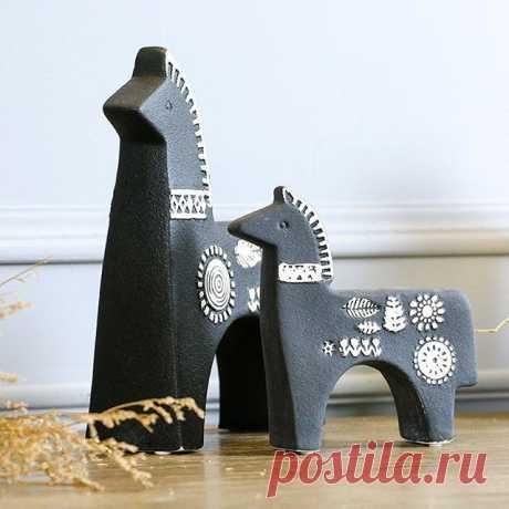И снова сегодня кони))) А вы знаете, что вес большого коня 1,1 кг? Вот такая она #керамика, тяжелая) @decor_mari . . . . #me #decor #handmade #дизайн #декор #дом