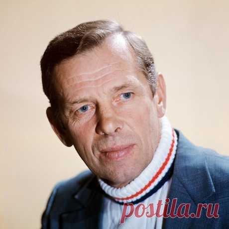 Георгий Жжёнов, 22 марта, 1915  • 8 декабря 2005