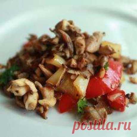 Вешенки жаренные со сладким перцем   Грибы вешенка круглый год доступна в магазине. С вешенками можно приготовить любое грибное блюдо. За нежный оригинальный вкус вешенки называют устричными грибами.        Ингредиенты   500 г грибов в…