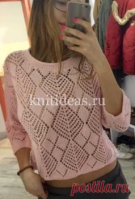 Стильный пуловер с ажурным узором из ромбов