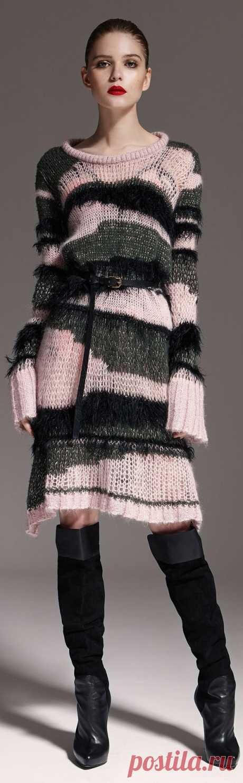 Платье (вяжем из остатков) Модная одежда и дизайн интерьера своими руками