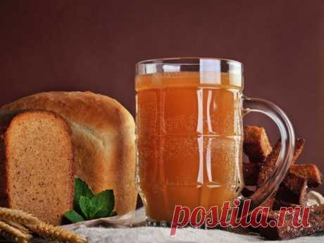 Квас хлебный с медом и изюмом и закваска для него   НАПИТКИ Ингредиенты: • Хлеб (бородинский (2 буханки)) — 800 г• Мед — 2 ст. л.• Сахар — 400 мл• Дрожжи (сухие) — 2 ч. л.• Изюм — 50 г• Вода — 10 л Делаем квас Хлеб режем кусочками, как на бутерброды.