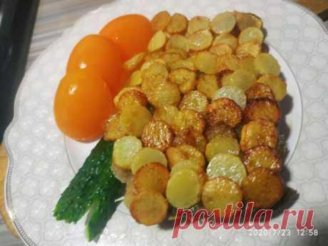 Рыба под хрустящей картофельной чешуей - Вкусно с Любовью - медиаплатформа МирТесен Танцы от плиты и до компа !! Рыба под хрустящей картофельной чешуёй. Это невозможно описать! Это надо пробовать. По-моему, идеальное блюдо для романтического ужина - сама нежность и воздушность! Ингредиенты для «Рыба под хрустящей картофельной чешуей»: Рыба (филе любая) — 2 шт Картофель — 4 шт