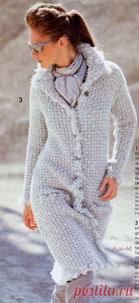 Вязание. Пальто, спицы.