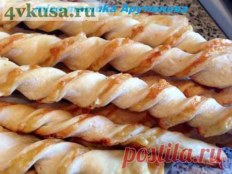 Слоеные спиральки с сыром | 4vkusa.ru