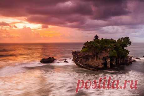 Храм Танах Лот, остров Бали. Автор фото — Антон Петрусь: