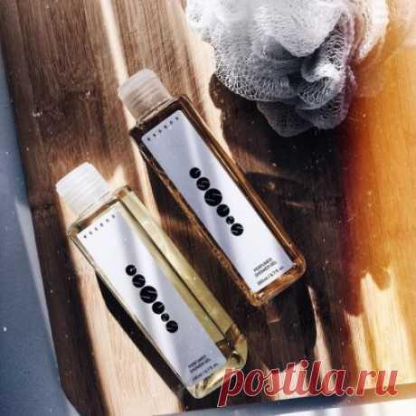 Гель для душа, подходит для ежедневного использования, подходит для всех типов кожи. Содержит конопляное масло и комплекс уникальных увлажняющих компонентов. рH 5,5 обеспечивает защиту кожи, повышает гидратацию и эластичность. Превосходные моющие компоненты эффективно удаляют загрязнения с поверхности кожи. Кожа после мытья становится гладкой, мягкой и защищена от пересушивания. Комплекс увлажняющих компонентов эффективно регенерирует кожу и предотвращает ее старение. ВНИМАНИЕ, НОВЫЙ СОСТАВ! Г
