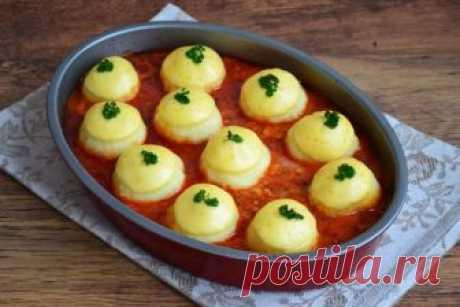 Картофельные шарики в мясном соусе Почти все любят картофель — с этим не поспоришь. И блюд из него можно приготовить невероятное количество! Я предлагаю свой вариант — попробуйте приготовить и вы, подарите себе новый вкус привычного пр…
