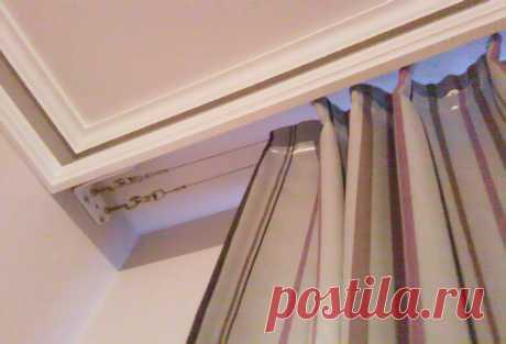 How to fix ceiling eaves to gypsum cardboard Fastening on glue. Fastening on the basis strengthened by means of a bar. Fastening on expansion bolt shields. Installation of the hidden eaves.