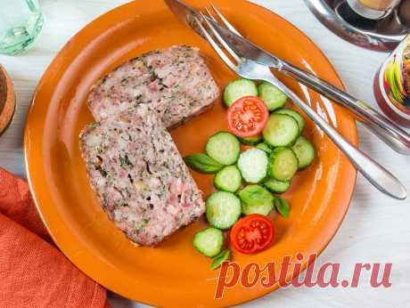 Мясная буханка со шпинатом и копченой грудинкой на Вкусном Блоге Мало какая еда может сравниться с мясной буханкой (или мясным рулетом, или meat loaf на языке оригинала) по своей простоте и практичности – что в приготовлении, что в подаче. Смешал ингредиенты, загрузил в форму (или просто сформовал буханку на противне горкой) – и в духовку. Подавать можно с чем угодно.…
