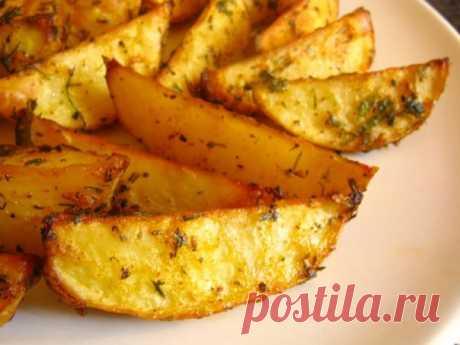 Картошечка по-деревенски  Картошка по-деревенски — простое, сытное и вкусное блюдо из картофеля, великолепный гарнир ко многим продуктам.   Ингредиенты: картофельсольспеции (карри, орегано, перец)Приготовление:            1. …