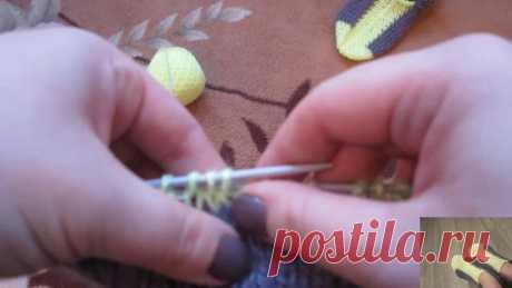 Простые следки на двух спицах Простой способ вязания удобных и симпатичных следков. Купить пряжу по низким ценам можно в группе https://vk.com/pryazha36