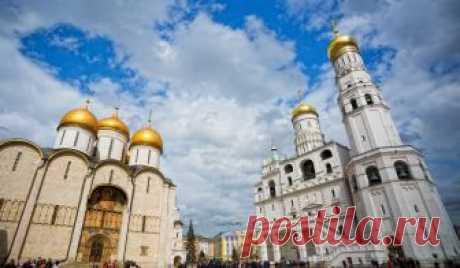 В каком веке началось строительство церкви и кто стал инициатором постройки? Что такое «Лествица»? Какой колокол самый большой в России?