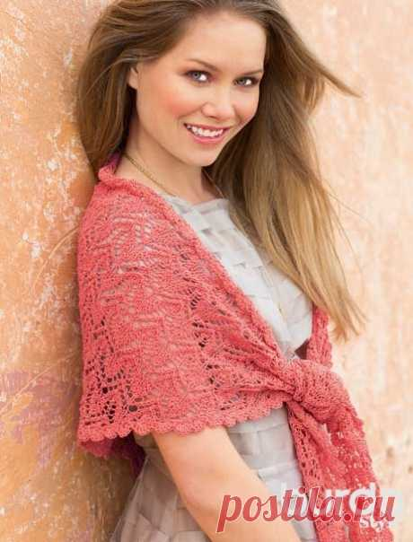 """Openwork shawl with \""""hearts\"""" - the scheme of knitting by spokes. We knit Shawls on Verena.ru"""