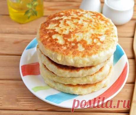 Вкусный завтрак для всей семьи: сырные лепешки с начинкой!