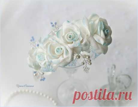 Украшение в причёску невесты. Розы из ткани, тонированы акрилом по ткани.