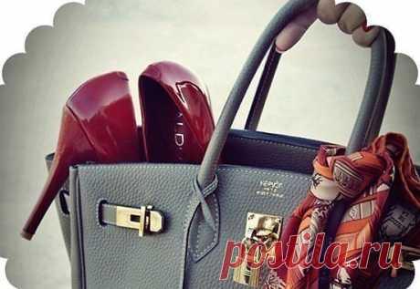 Идеальный мужчина — это который не спрашивает нужны ли тебе деньги, он просто тайком кладет их тебе в сумку.