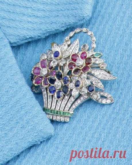Что хранится в шкатулке британской королевы Елизаветы II?