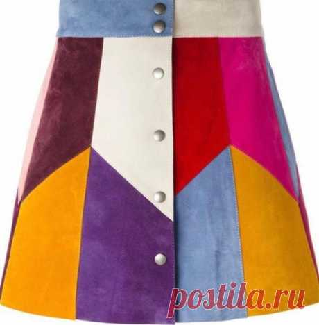 This A-line Marc Jacobs miniskirt is made from colorblock suede panels, creating a cheerful, retro-infused aesthetic. Oxidized snaps fasten the front. Laser-cut hem. Silk lining. Fabric: Suede. Shell…