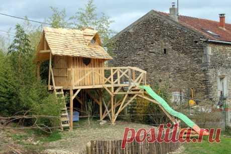 El tío ha decidido alegrar a una pequeña sobrina y ha construido a ella el castillo entero de la princesa de madera ordinario palet. Comparte poshagovoy la instrucción