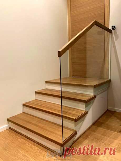 Изготовление лестниц, ограждений, перил Маршаг – Облицовка со стеклянными перилами