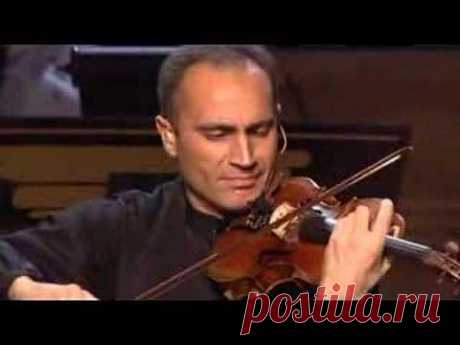 Long live Armenia! In memory of the Armenian genocide victims of 1915. Armenian Duduk on Yanni Live!