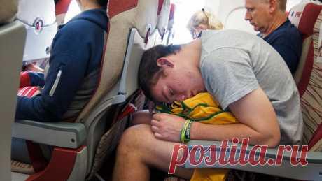 Что нельзя делать в самолете? Чеклист из 11 пунктов (ради твоего же блага) - Новости Mail.ru