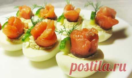 Фаршированные яйца с лососем и огурцом рецепт с фото пошагово