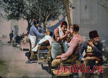 📸 12 цветных фото Cтамбула, когда он еще был Константинополем Очень много усатых мужиков в красных фесках.