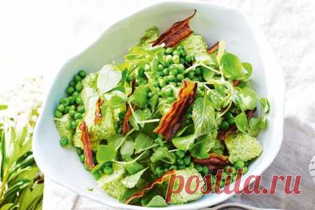Potato and pea salad with crispy pancetta