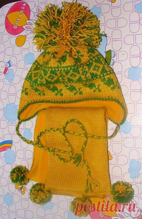 Желто-зелёный комплект для девочки. Шапочка и шарф..