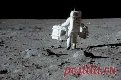 РФ и Китай могут доказать обман США с высадкой людей на Луну Российская Федерация и Китайская Народная Республика решили построить базу на Луне в рамках инициативы по освоению естественного спутника нашей планеты. Предполагается, что российско-китайский проект позволит раскрыть обман США о высадке астронавтов на поверхность Луны.В истории лунной...