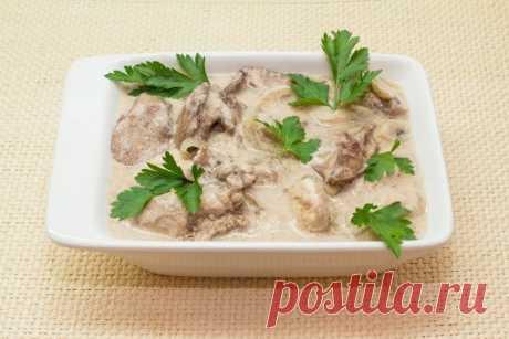 Как приготовить куриная печень с грибами в сливочном соусе. - рецепт, ингридиенты и фотографии