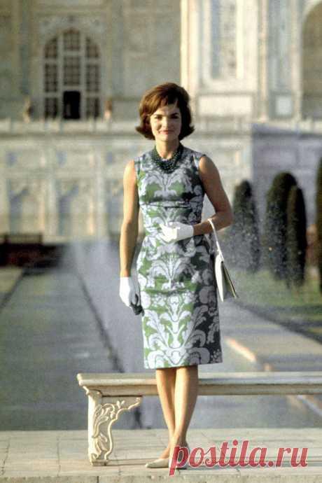 Как первая леди Жаклин Кеннеди скрывала недостатки стилем