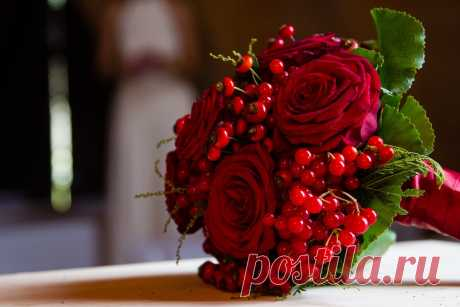 Букет невесты из живых цветов.