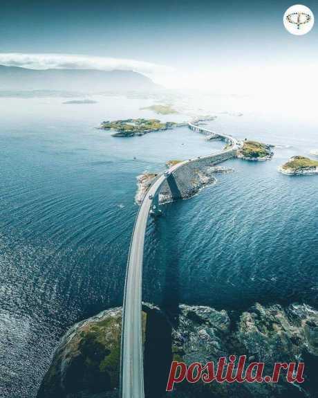 Атлантическая дорога в Норвегии.