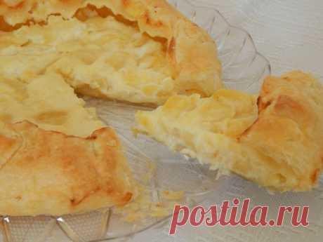 Быстрый пирог с мягким сыром и картофелем: часто готовлю на ужин!