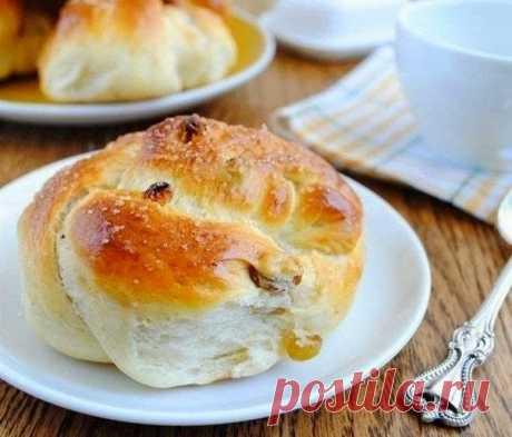 Как приготовить пряные булочки с изюмом - рецепт, ингредиенты и фотографии