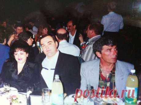 ,,Лидо'' Несколько лет тому назад,рядом с нами Женя Абба.