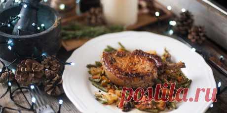 Свиная корейка с яблочным соком и овощами на гриле Рецепт - Свиная корейка с яблочным соком и овощами на гриле - с фото