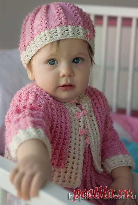 Вязание спицами. Комплект для маленькой принцессы - платьице, жакетик и шапочка.