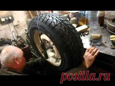 балансировка колеса на ручной балансировке. balancing wheel on the hand- balancing
