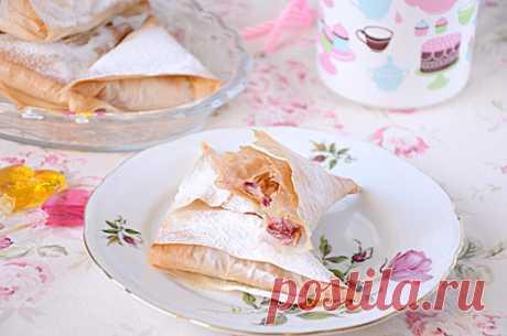 Рецепт пирожков из теста фило с замороженной вишней / Меню недели