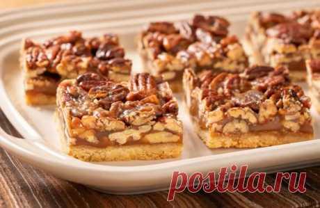 Ореховые пирожные с карамельной начинкой тают во рту: простой рецепт