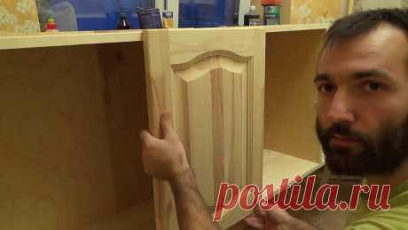 Деревянная кухня за 7 дней.  Инструкция. В этом видео вы узнаете о простом способе собрать свою собственную кухню из дерева, мебельных щитов и фанеры своими руками.- Как собрать навесной кухонный шк...