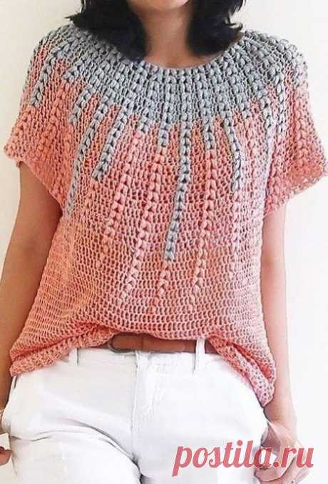 Pullover with an unusual pattern