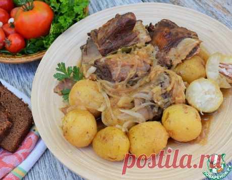 Говяжьи рёбра с картофелем и луком – кулинарный рецепт